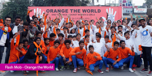 Flash Mob – Orange the World